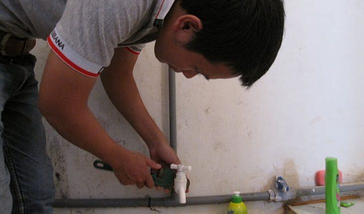Thợ sửa ống nước ở tại quận 4